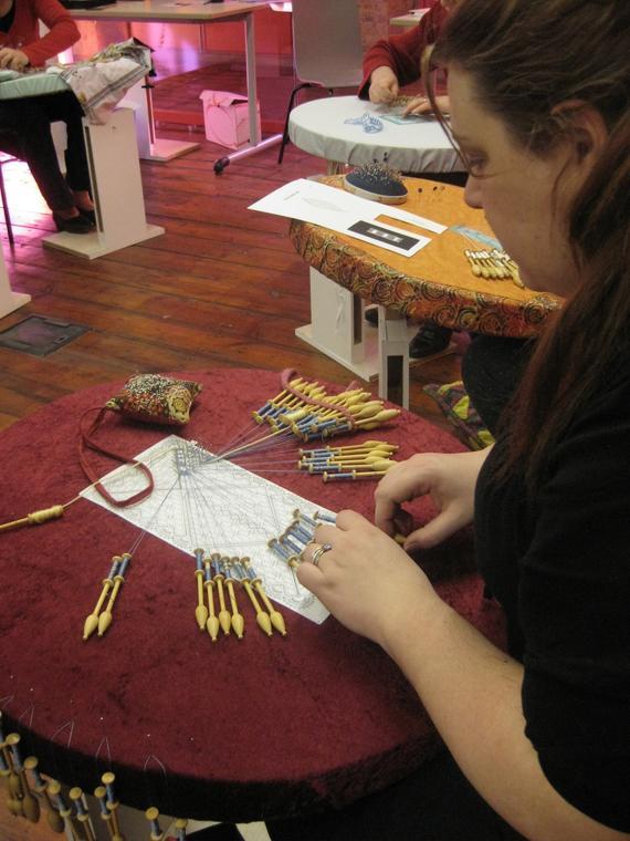 atelier dentelle à la main Crédit F Collier17 février 2011 011.jpg