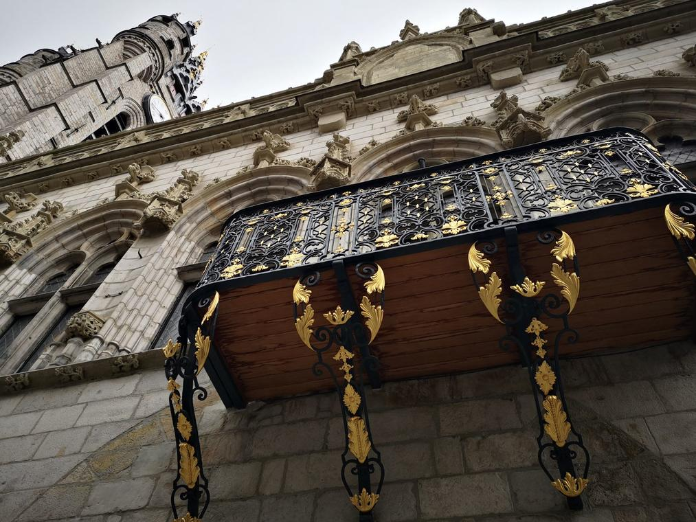 Beffroi-carillon-Moyen-Age-Douai- Douaisis-Nord-France.jpg