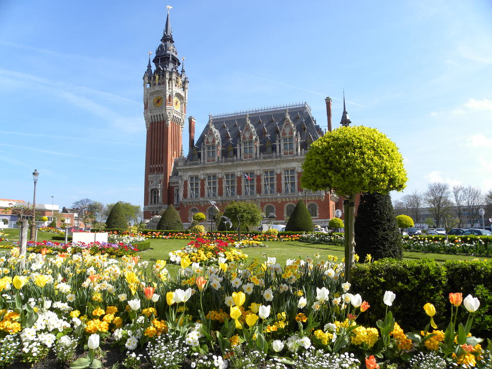 Hôtel de ville de Calais - Credit photo Office de tourisme Calais Côte d'Opale.JPG