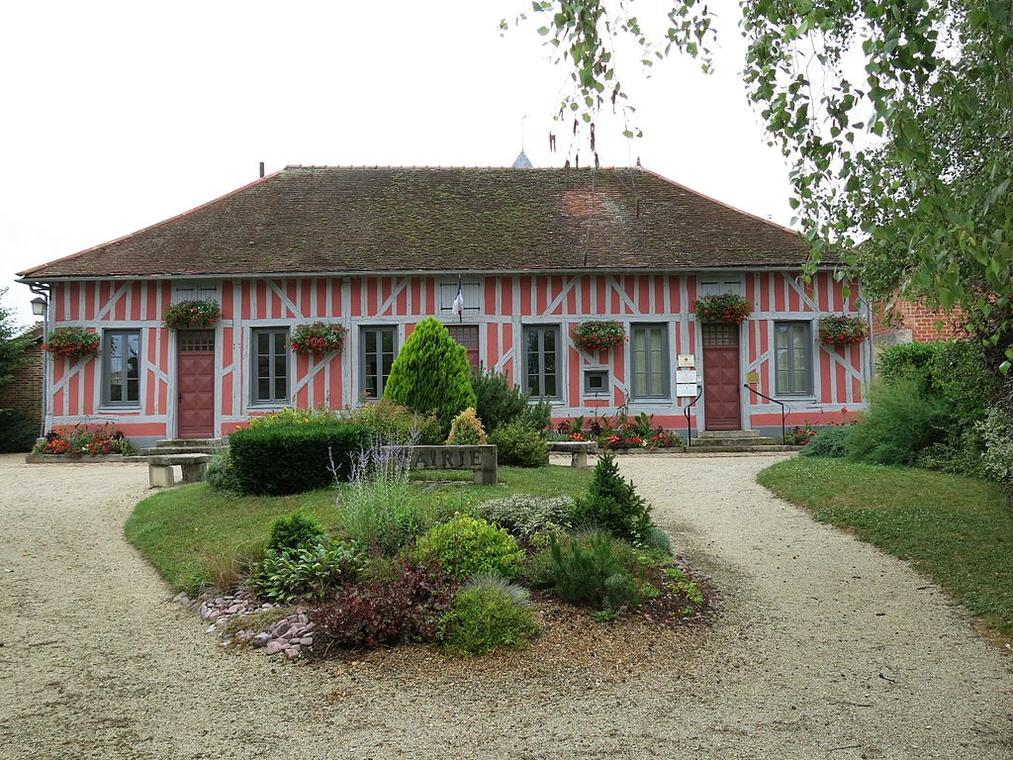 Mairie_de_Mesnil-Saint-Père.jpg