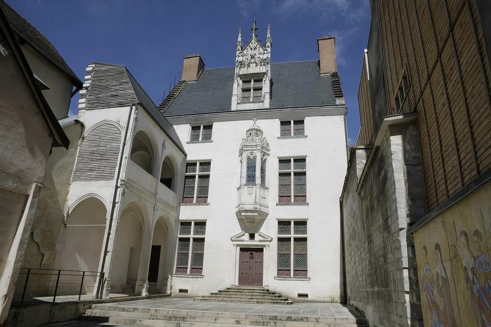 Hôtel Juvénal des Ursins- Copyright Carole Bell.jpg