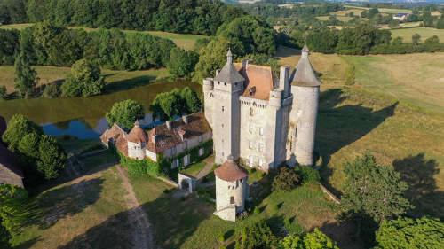 StPardouxlesCards-ChâteauVillemonteix-CreuseTourisme.jpg