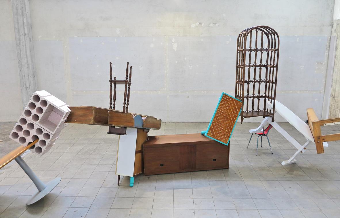 LPP MEUBLES SOLIDAIRES Les Pas Perdus, Meubles Solidaires (détail), 2020, coréalisé dans le Grand Atelier de Sculpture Fantaisie de Plombières, Usine Pillard, Marseille.JPG