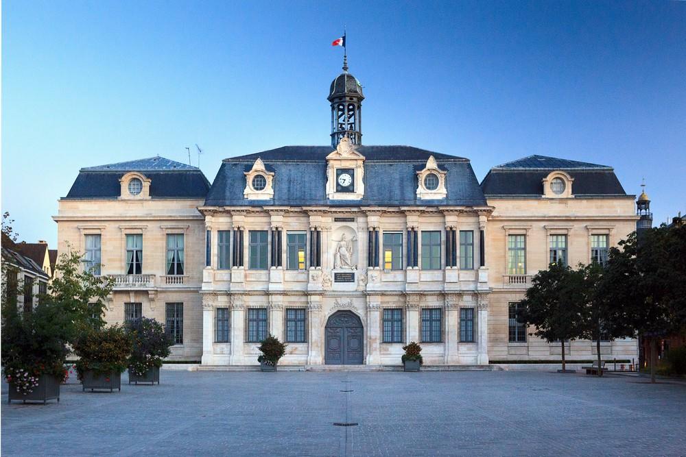 Hotel de ville © Olivier Gobert - Troyes Champagne Tourisme.jpg