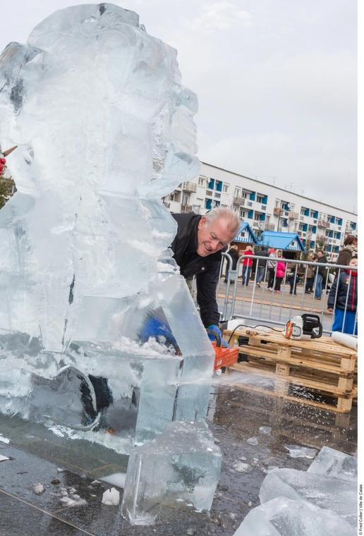 sculpture de glace 2 décembre.jpg