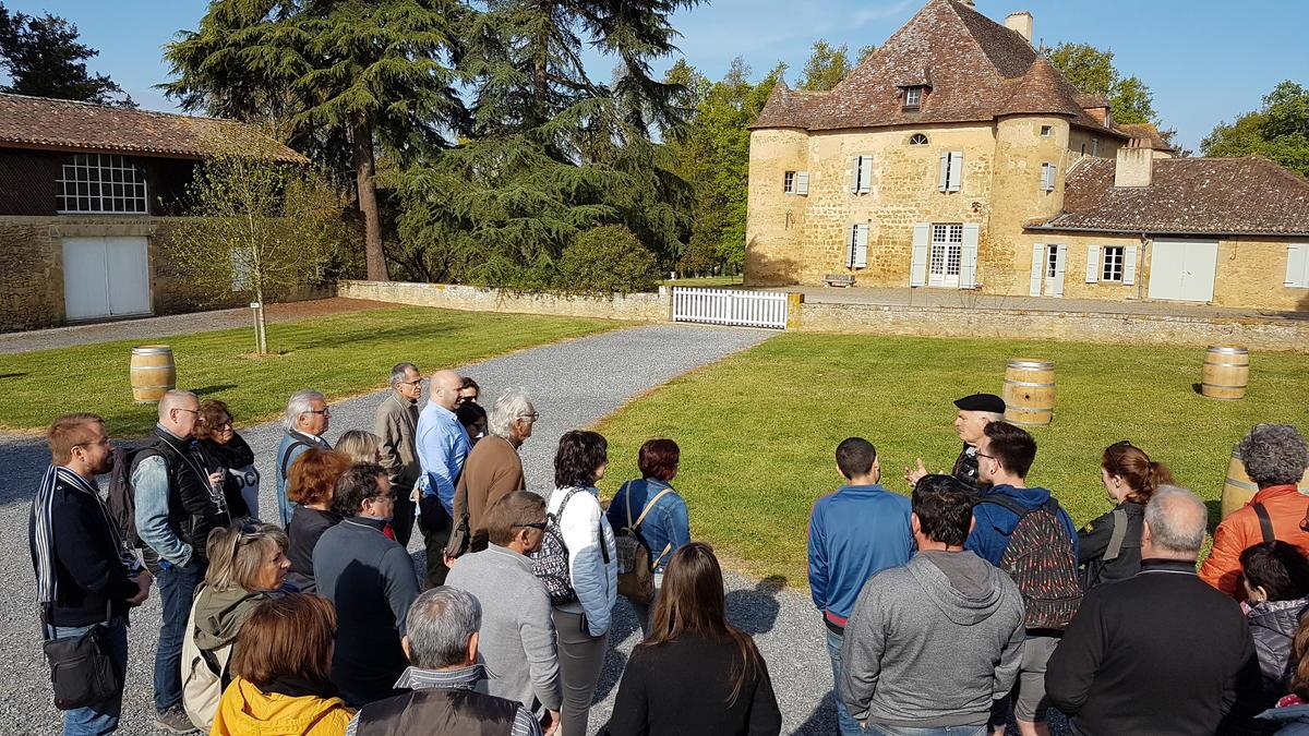 Groupe au Château de Sabazan 2 © Plaimont.jpg