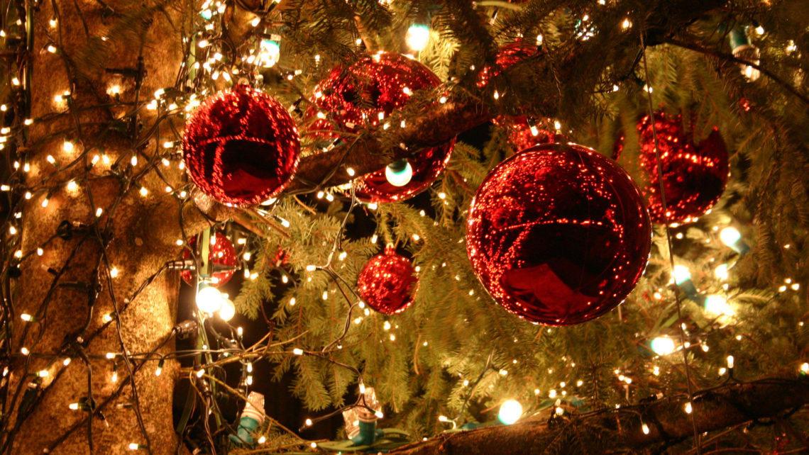 Christmas-glitter-1140x642.jpg