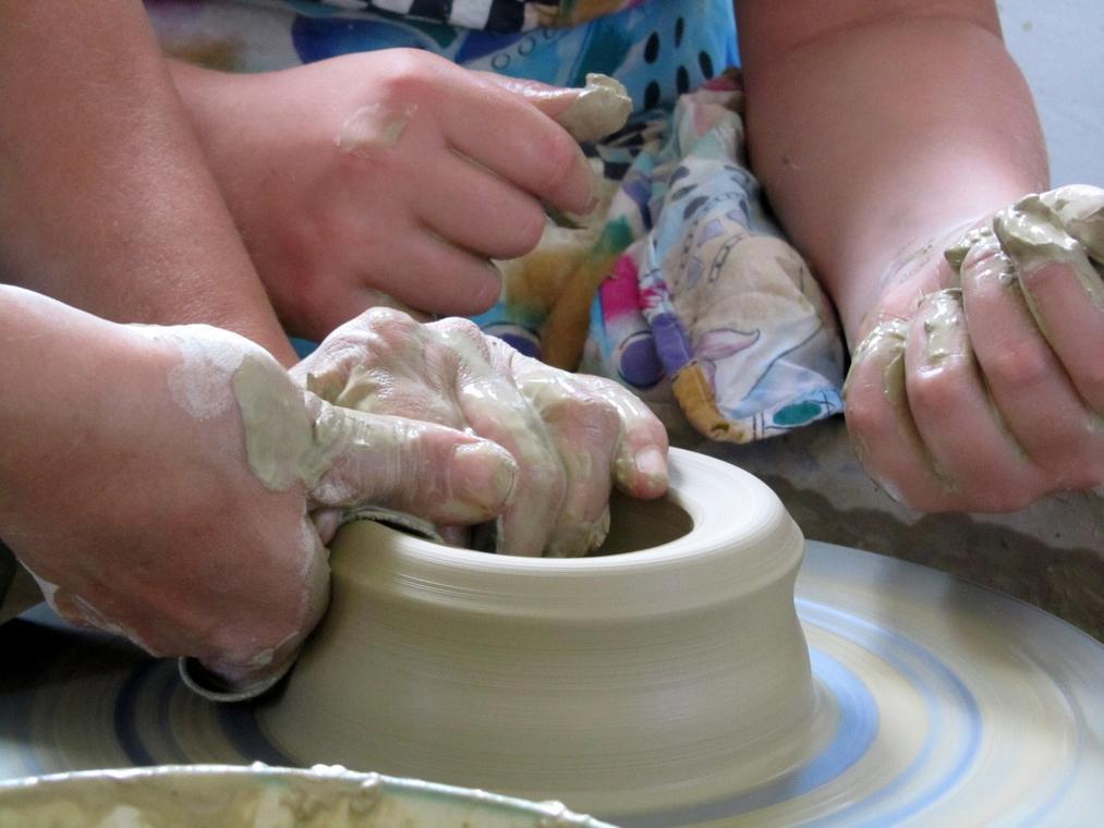 pottery_kitchen_utensils_potter's_wheel-1201970.jpg!d.jpg