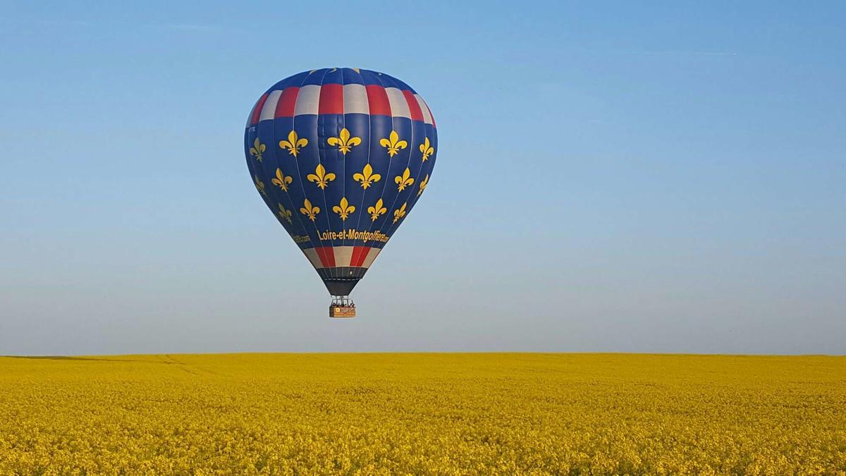 touraine_terre_denvol_-_loire_et_montgolfiere.JPEG