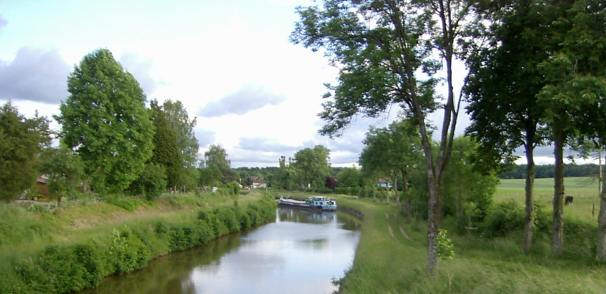 Girancourt,_Canal_des_Vosges.jpg