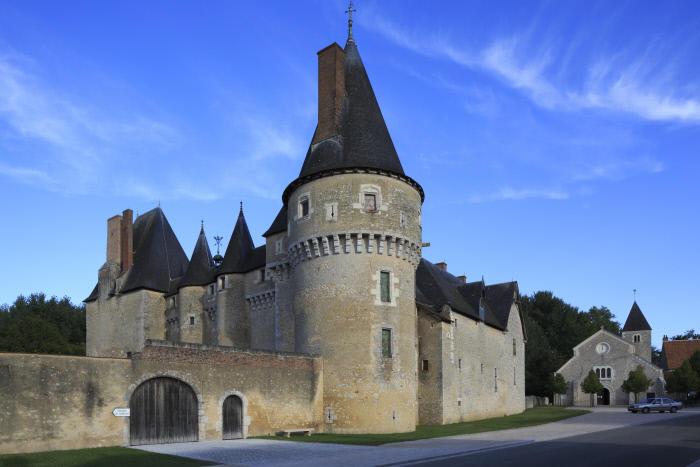 CMN_gcow13_0009__Château de Fougères-sur-Bièvre_© Gilles Codina  Centre des monuments nationaux.jpg