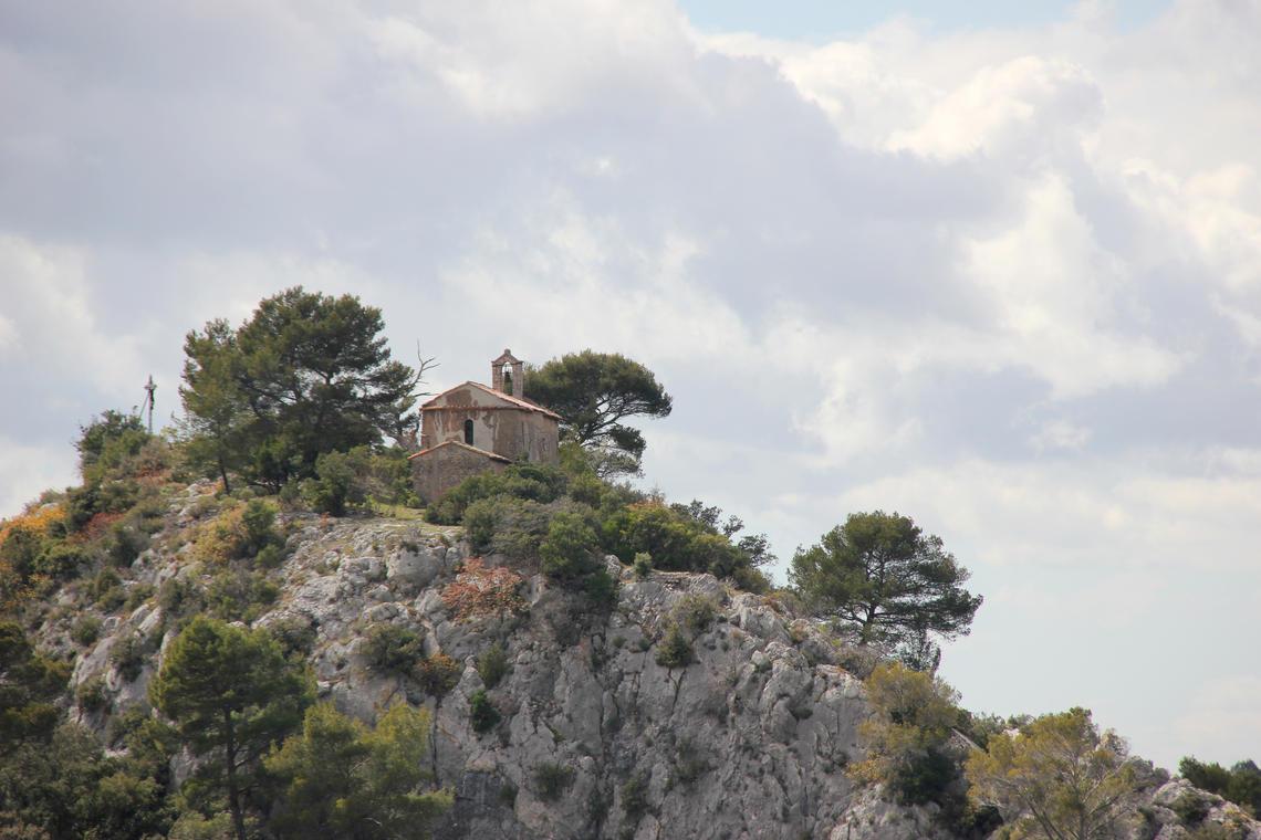 chapelle Notre Dame d'Orgnon-defens-Saint-Zacharie-OTI Aubagne.jpg