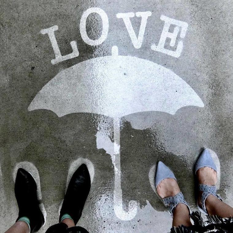 Vernissage famille Dessinons sous la pluie  10 avril.jpg