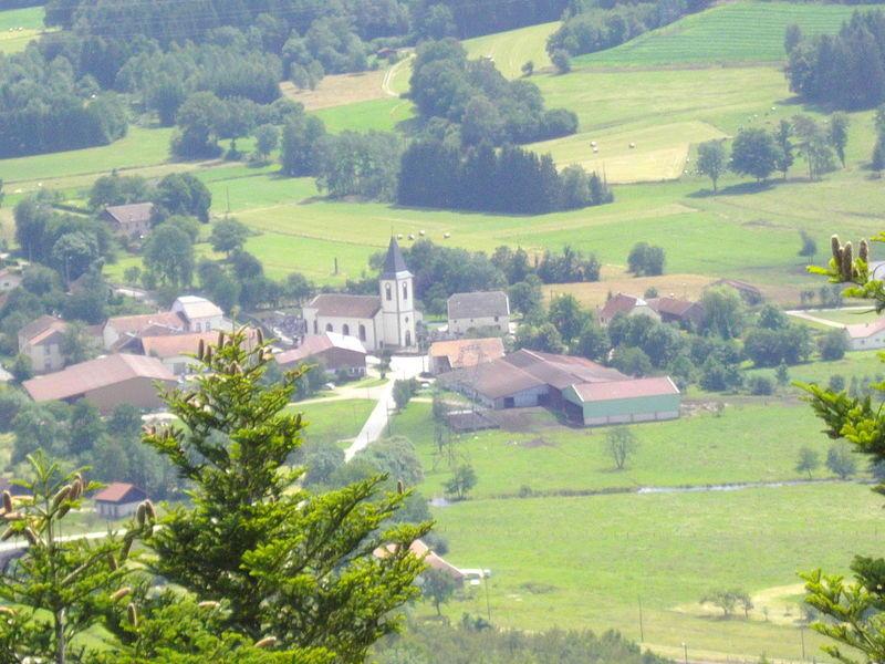 Village_de_la_houssiere.jpg