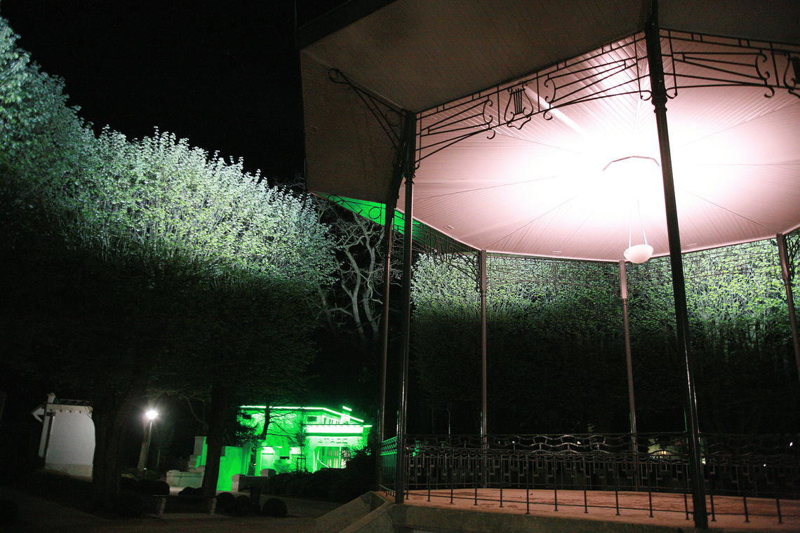 Stade-Parc by night - Copyright office de tourisme Béthune-Bruay.jpg