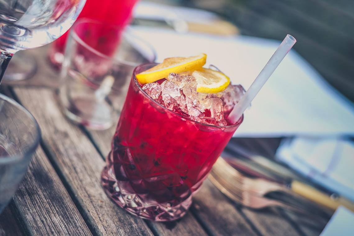alcohol-1853327_1280.jpg