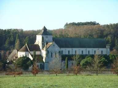 Abbaye_Fontgombault.jpg