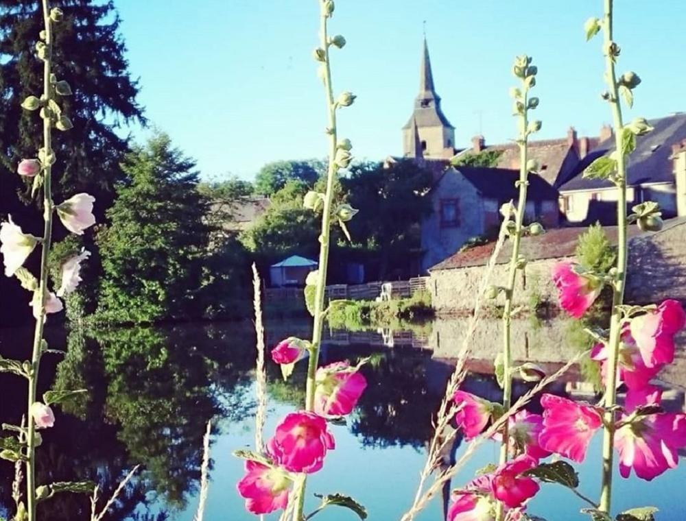 Mainsat-Bourg-Commune.jpg