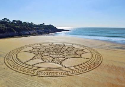 fresque de sable 4 juillet.jpg