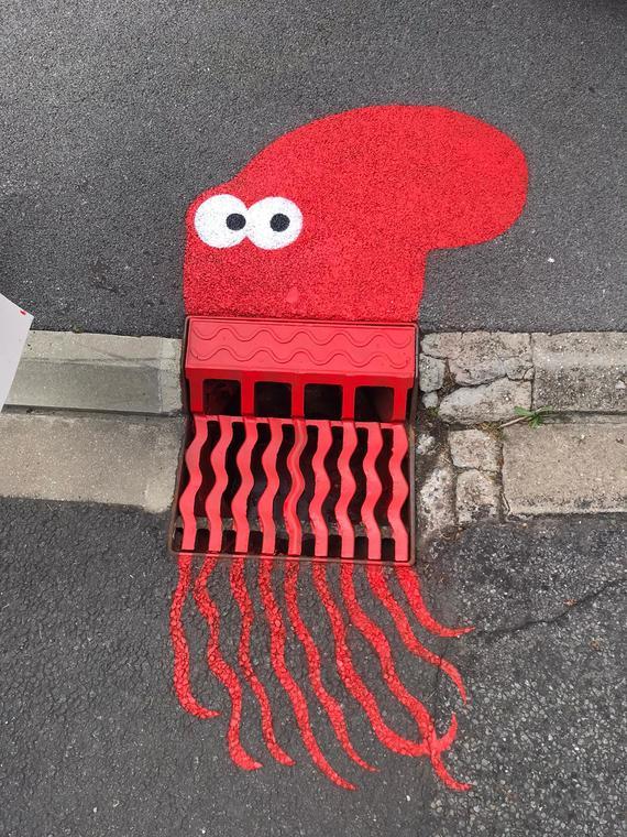 LE POULPE Sur le rond point- niveau rue d Armantieres- marnes les mines- Sandrine estrade boulet.jpg