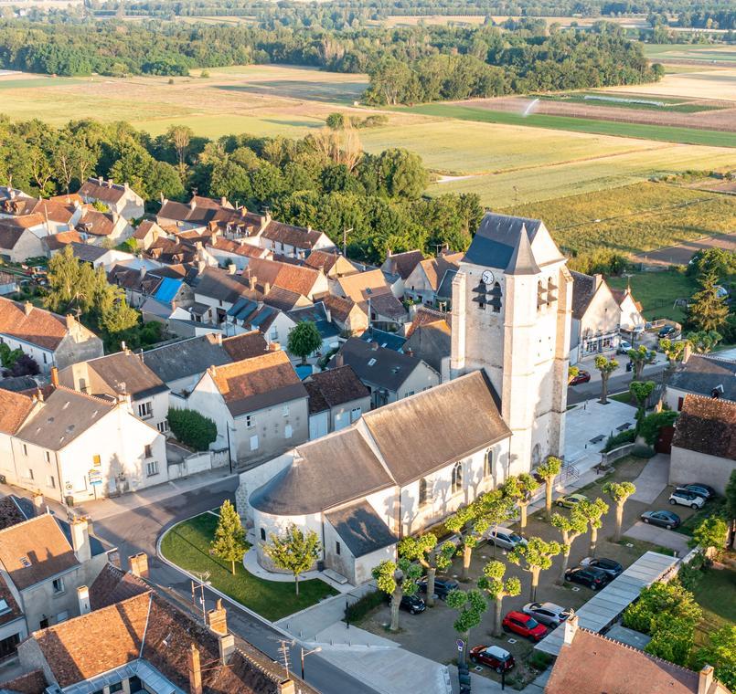 Montlivault - photo église 2021.jpg