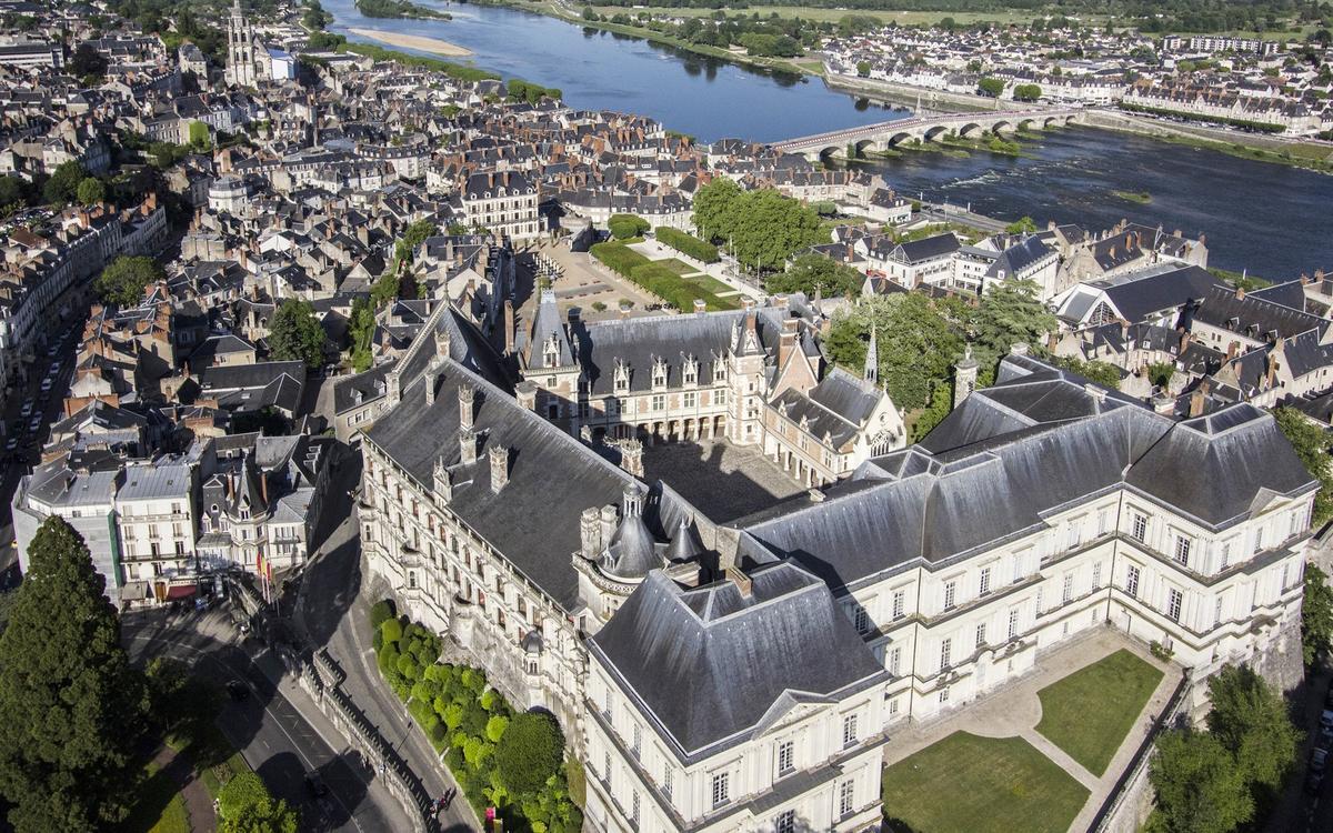 Vue aérienne Château Royal de Blois - J. David.JPG