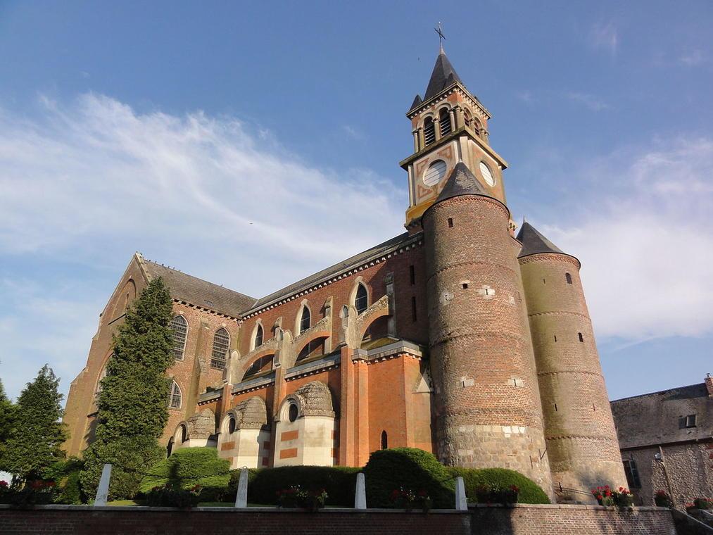 Eglise fortifiée < Origny en Thiérache < Aisne < Picardie