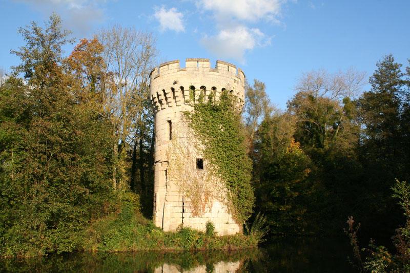 Tour médiévale < Ployart-et-Vaurseine < Aisne < Picardie