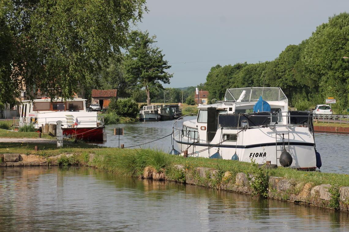 Saint Léger sur Dheune port canal fluvial (2)