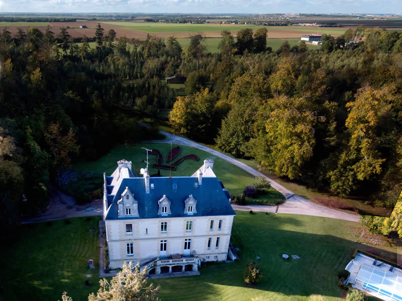 vue-aerienne2-chateau-riffets©perfect-tour.ro