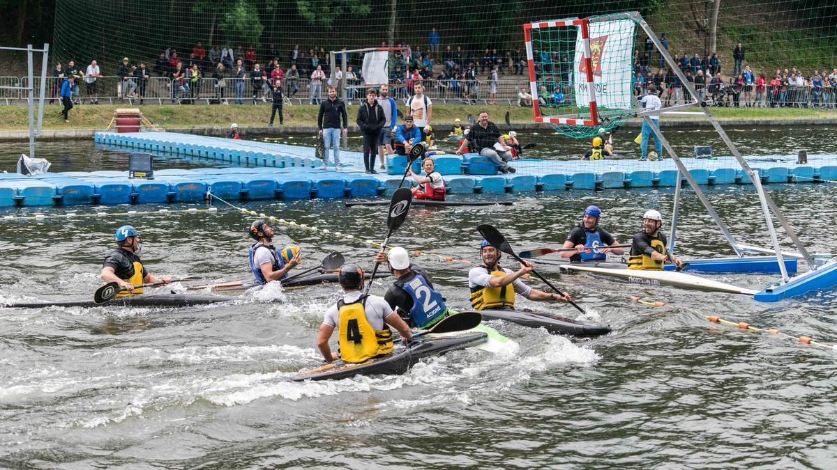 Kayak Polo Thury Harcourt