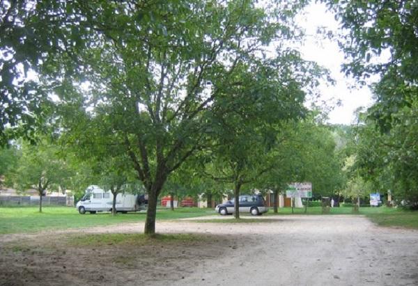 aire_campingcar_portdenveaux