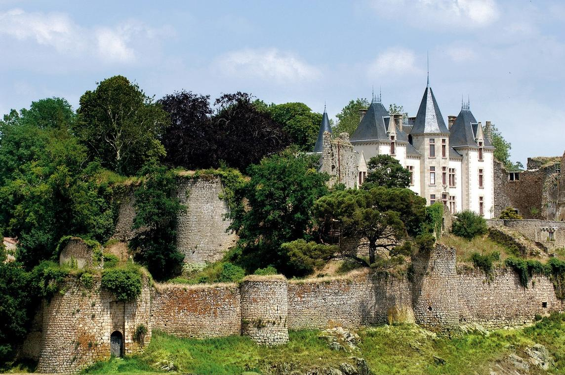 210918-bressuire-visite-chateau