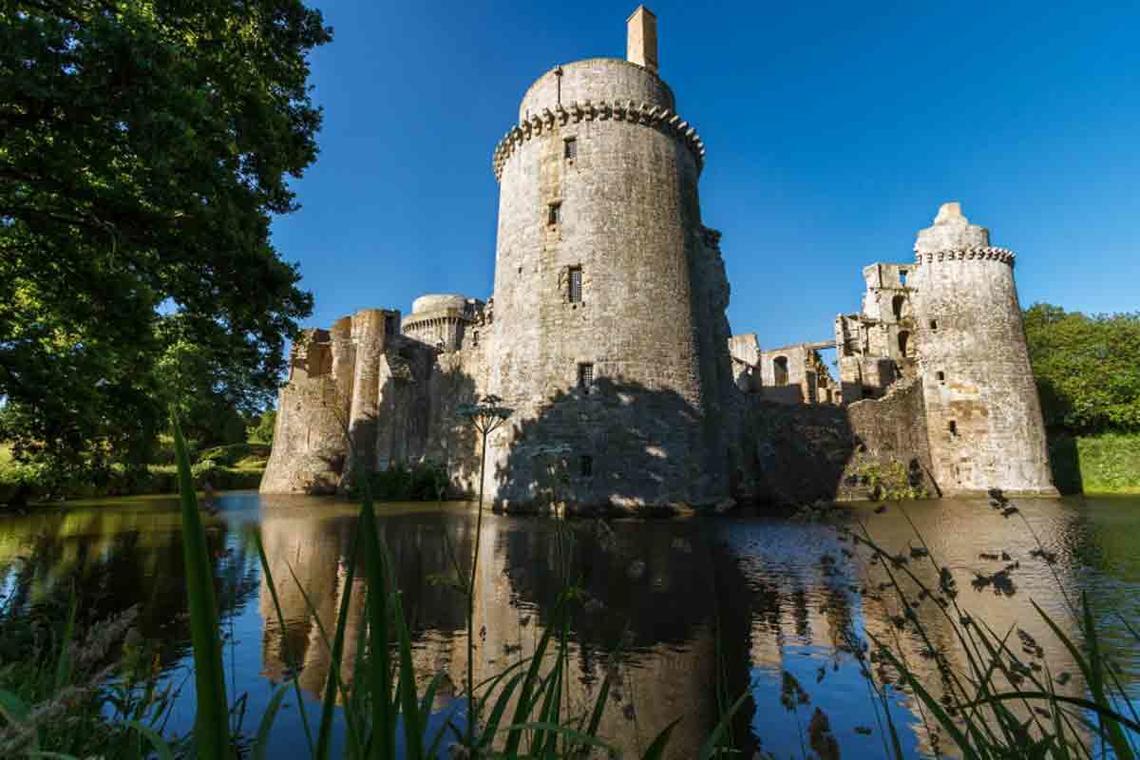 Chateau-de-la-hunaudaye-1200-vf