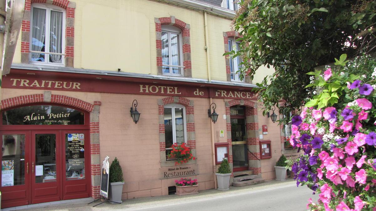 H - 2016 - Pléneuf-V-A - Hôtel de France