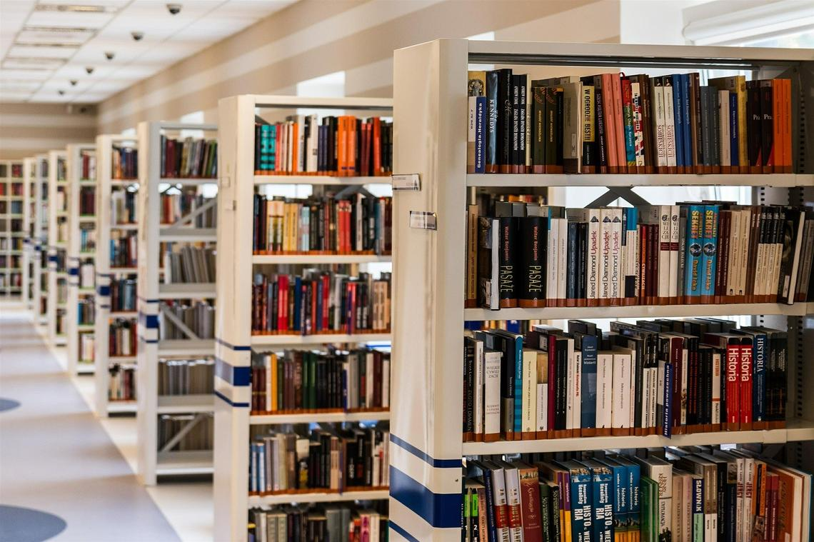 library-488690_1920