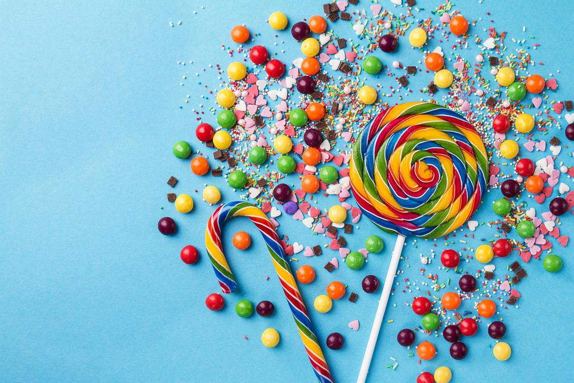 Réalisation de sacs à bonbons pour les enfants.