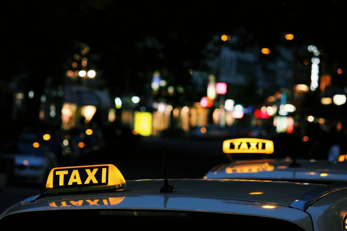 taxi-lexi-ruskell-unsplash