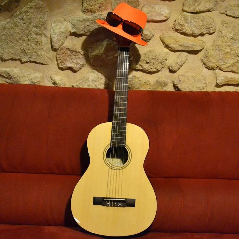 la-guitare-sans-tete
