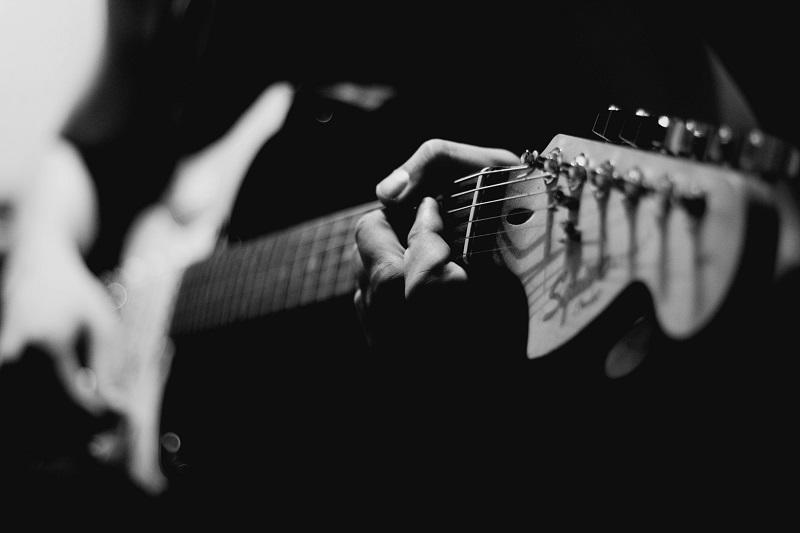 Music © Mark Kamalov - Unsplash