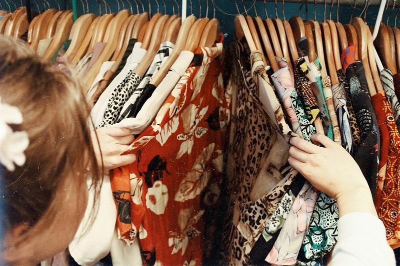 Vêtements © Becca Mchaffie - Unsplash
