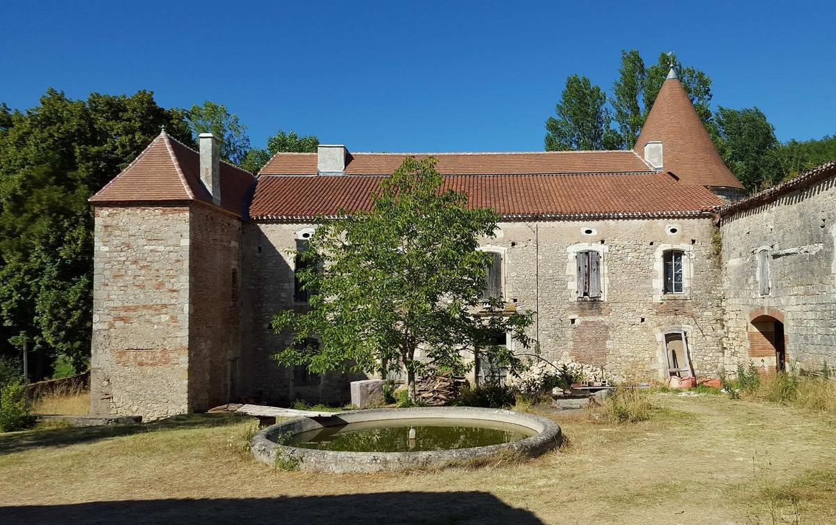 180905_Chateau_Floiras_vue_cour