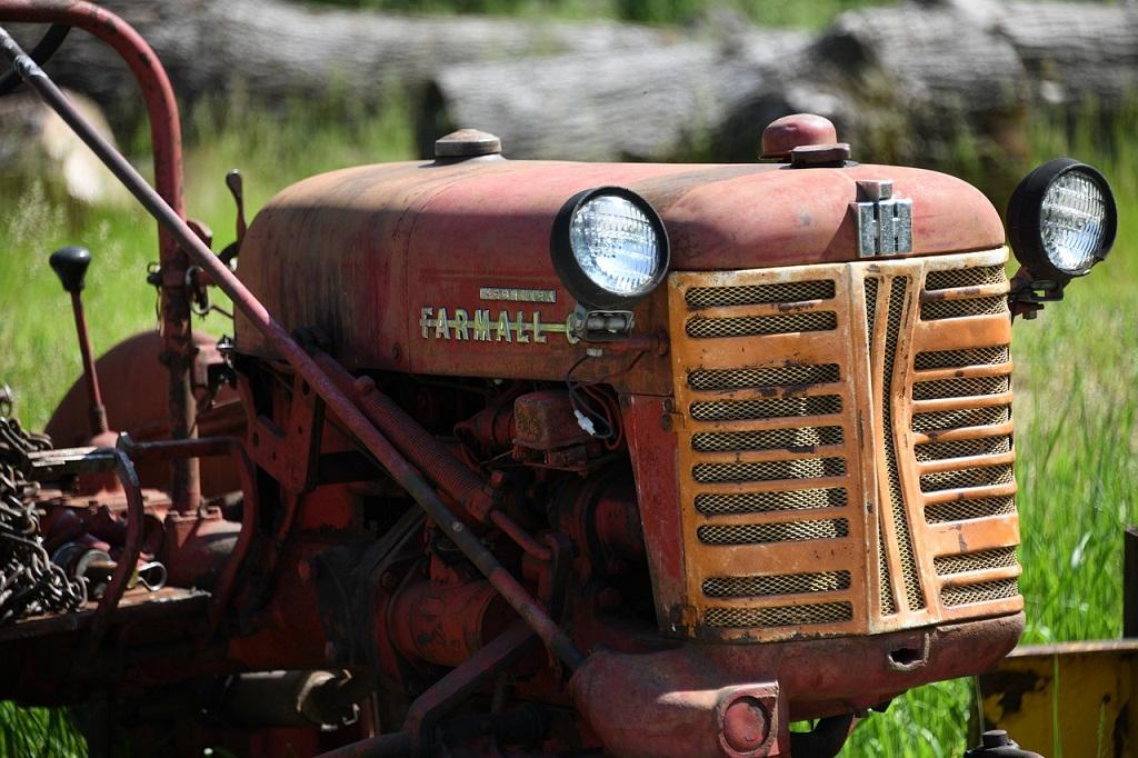 tractor-4231147_1280©eliza28diamonds