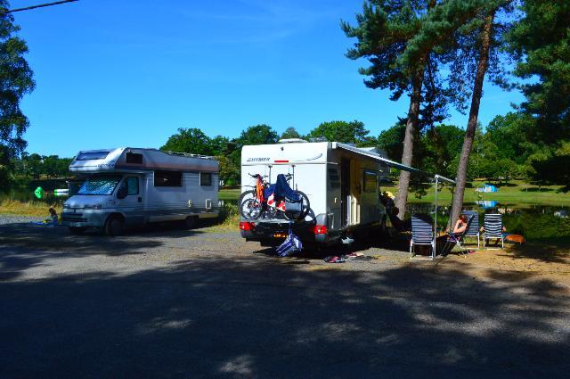 Aire de Camping-Car Domaine du Lac de Feyt_Servières le château