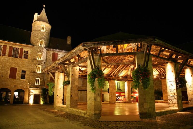 Martel : La Halle de Martel de Nuit