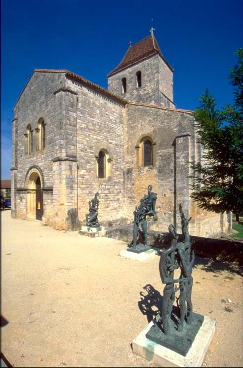 Les Arques : Sculpture de Zadkine devant l'église Saint-Laurent