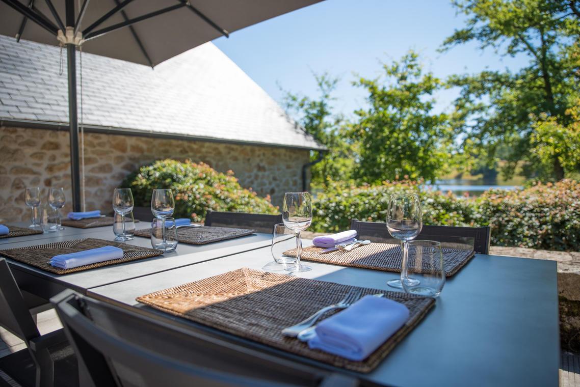 HDEF-les jardins de sothys-restaurant-auriac-terrasse 1-®pauseyourlife