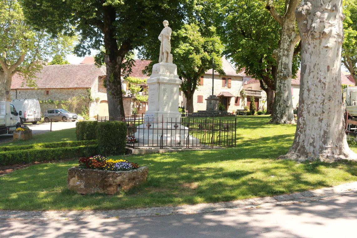 La place du village©M.Légeron