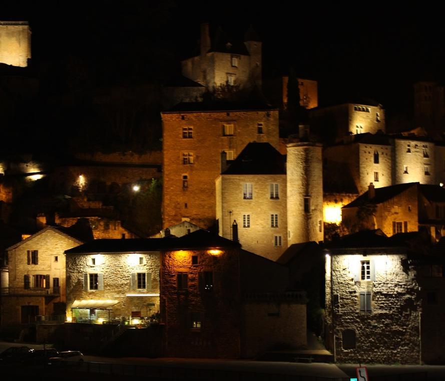 Puy-lEveque_nocturne_©Office de Tourisme Lot-Vignoble - Lea Tournier