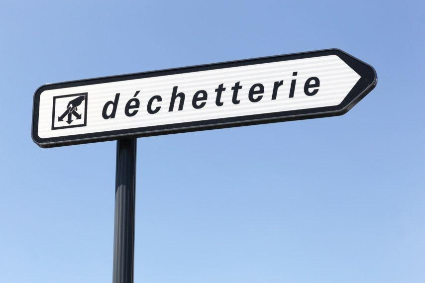 dechetterie-panneau-illustration-adobe-stock-854x569